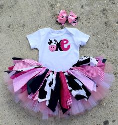 Pink Cowgirl Birthday outfit, cowgirl first birthday, Cowgirl tutu – pink cowgirl outfit extra full tutu outfit, double layer Pink Cowgirl Birthday Outfit Cowgirl First by LilyLuandHazel Cow Birthday Parties, Rodeo Birthday, Baby Girl First Birthday, Farm Birthday, Birthday Ideas, Birthday Tutu, Birthday Board, Cowgirl Tutu, Cowgirl Party