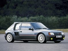 Peugeot 205 T16 1984. - nice perspective of the car showing the rear sub-frame…