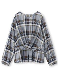 【アンタイトル/UNTITLED】のチェック柄ひねりシャツ レディースファッション・服の通販 founy(ファニー) ファッション Fashion レディース Women トップス Tops Tshirt シャツ/ブラウス Shirts Blouses チェック フロント カフス フェミニン |ID:prp329100000293930 ipo3291000000001342576 Tunic Blouse, Shirt Blouses, Shirts, Basic Tops, Nice Tops, Sweater And Shorts, Simple Dresses, Aesthetic Clothes, Winter Outfits