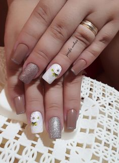 Top nail colors & designs nailed it! Homemade Black, Glitter, Best Homemade Dog Food, Colorful Nail Designs, Video Games For Kids, Dog Treat Recipes, Healthy Snacks For Kids, Breakfast For Kids, Girl Wallpaper