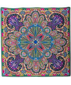 Damen-Seidentuch, Orientalische Motive,Blau-Marine-Pink-Gold-Grün, 100 % Seide. Maße: 90 x 90cm Artikelnummer: 8110058 199,00 €. www.daniels-korff.de