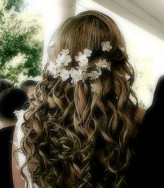 cute flower girl hair ... Reagan likes the flowers