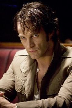 Bill Compton (HBO's True Blood) played by Stephen Moyer... and here's when I got hooked... immediately.