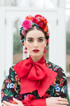 Inspired by Frida Kahlo colourful floral wedding editorial, dress by Joanne Fleming Design, photo by Roberta Facchini Boho Wedding, Floral Wedding, Carnival Outfit Carribean, Mexican Hairstyles, Mexican Fashion, Red Carpet Gowns, Mexican Dresses, Design Blog, Halloween Disfraces
