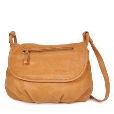 nat&nin : sacoche pour homme et sac à main pour femme Nat Et Nin, Saddle Bags, Camel, Nude, Backpacks, My Style, Closet, Fashion, Womens Fashion