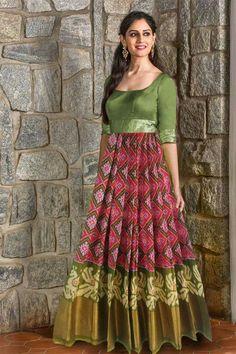 Kalamkari Dresses, Ikkat Dresses, Indian Wedding Gowns, Indian Gowns Dresses, Choli Dress, Saree Gown, Long Gown Dress, Tulle Prom Dress, Kurta Designs Women