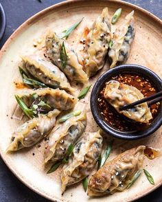 """BEAUTIFUL CUISINES (@beautifulcuisines) sur Instagram: """"Potstickers are easily customizable to your taste and can be filled with pork, shrimp, leek and so…"""""""