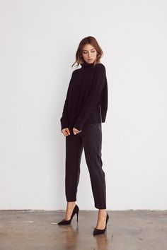 The Cropped Mockneck Sweater. Summer Work Outfits, Office Outfits, Mode Outfits, Office Attire, School Outfits, Minimal Outfit, Minimal Style, Looks Adidas, Looks Black