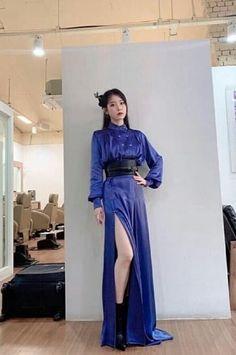 Luna Fashion, Girl Fashion, Fashion Outfits, Womens Fashion, Fashion Trends, Red Velvet Photoshoot, Blue Rain, Korean Celebrities, Dress Outfits