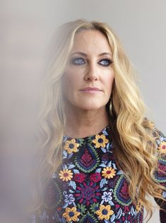 LEE ANN WOMACK | SINGER-SONGWRITER Lee Ann Womack, Poses, Blue Eyes, Queens, Law, Singer, Artists, My Favorite Things, Country