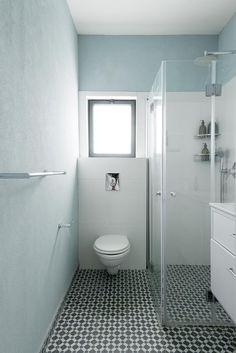 אם אין אני לי: המעצבת שיצרה את ביתה בעצמה | בניין ודיור חדר רחצה קטן....