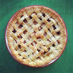 Everyone Loves Pie :: Ginger Peach Pie