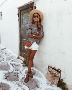 Outfits, travel outfit summer, greece outfit, summer wardrobe, europe t Travel Outfit Summer, Women's Summer Fashion, Summer Travel, Holiday Fashion, Winter Fashion, Street Style Summer, Street Style Looks, Spring Style, Mode Outfits