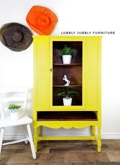 Wise Owl Citron is 🔥🔥🔥  Lubbly Jubbly Furniture freshened up this cabinet with this super pigmented yellow! www.wiseowlpaint.com #wiseowlpaint #citron #yellow #painted #cabinet