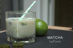 MATCHA MONTAG – MATCHA ICED LATTE Heiß, heißer, Sommer – äääh Matcha! Die Temperaturen klettern über 30 Grad, die Sonne knallt. Eine Abkühlung muss her! Wie wäre es mit einem Matcha Iced Latte? Neben einem genialen Frischekick macht er dich zudem noch wach!