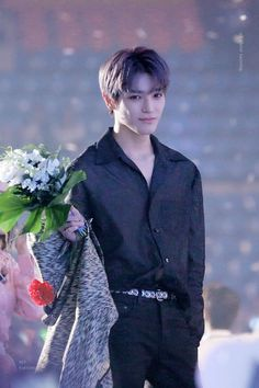 """ALL ABOUT TAEYONG on Twitter: """"flower and #태용 #TAEYONG… """" Lee Taeyong, Winwin, Jaehyun, Nct 127, Sm Rookies, Entertainment, Fandoms, Jeno Nct, Photos Du"""