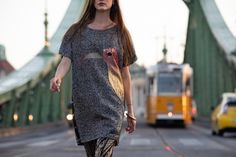 Warm designer flowy informal dress with fashion glitter bird and side buttons. By ARTISTA womens Brand Flowy Dresses, Fall Dresses, Stylish Dresses, Simple Dresses, Women Brands, Glitters, Dress Fashion, Dress Collection, Designers