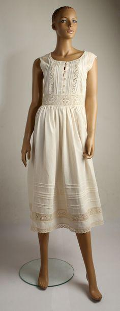 Sukienka rozpinana.