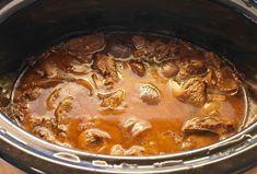 Tänään Crock-pot -haudutuspata pääsi ruuanlaittoon. Ajattelin kokeilla ensimmäisenä ruokana hirvipataa ja tein sen näin: 1.2 kg hirv...