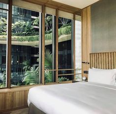 #ECOHOTELS #SWD #GREEN2STAY PARKROYAL on Pickering Hotel, Singapore  🌴🌴🌴Garden view anyone? P.S. we'll be unleashing a Limited Time Offer tomorrow so keep a lookout for it. #parkroyalgetaways 📷:@gilbertyang http://www.green2stay.com/asia-pacific-eco-hotels