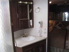 2003 Used Winnebago Journey 36 Class A in New York NY.Recreational Vehicle, rv, 2003 Winnebago Journey 36, 2003 Journey 36 DL - Cat 330 engine - Allison 3000 6 speed tranny - Fullbody paint - 77k miles (approx) - Onan 7.5 Quiet Diesel generator with 1,200 hours (approx) Many Major Upgrades - Every single rug in this unit was removed the day I brought it home and replaced with beautiful and durable wood look linoleum - All leather couches - Extra 15,000 but Coleman Mach 1 PowerSaver rooftop…
