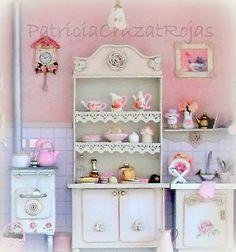 Patricia Cruzat Artesania y Color: Un Cuadro 4 veces lindo, con Miniaturas, para ELLA