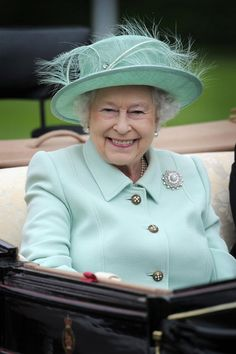 Queen Elizabeth II arrives at Royal Ascot. Loving this robin's egg ensemble. That is a fabulous brooch! God Save The Queen, Hm The Queen, Royal Queen, Her Majesty The Queen, Commonwealth, Carole Middleton, Middleton Family, Windsor, Royal Uk