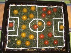 'Fu�ball-Pizza' Pizza, Diy Hacks, Christmas Tree, Eat, Holiday Decor, Food, Football Snacks, Football Soccer, Germany