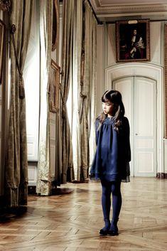 #Dior #vestido #niña #estilo #elegante #dress #girl #style #elegant #robe #fille #élégant #mode #fashion #Little #fashionista #kids #Street #style #cool #look #formal #wear