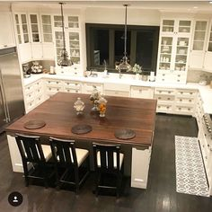 "258 Likes, 6 Comments - Roberta (@countryhome_) on Instagram: ""Sharing this picture of my kitchen for #moveitupmonday since I'm still not home! Hope everyone had…"""
