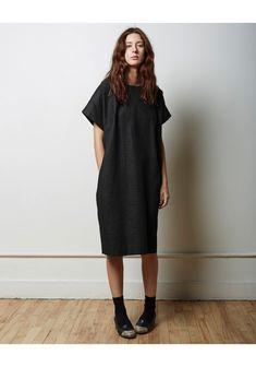 Simplicity and restraint.  La Garçonne Moderne Portrait Dress | La Garçonne
