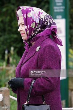 Queen Elizabeth At The 2006 Chelsea Flower Show. .