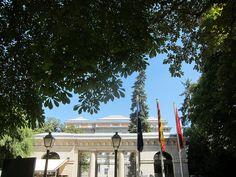 Museo del Prado visto desde Real Jardín Botánico by voces, via Flickr