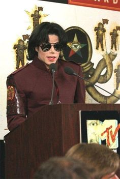 ♥ Michael Jackson ♥ Looking good!!
