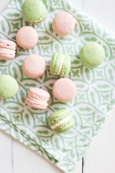 Delightful french macrons...love the colour!