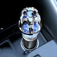 Autóban használható levegőtisztító berendezés. Eltávolítja az autó  légterében jelenlévő szmogot, füstöt, baktériumokat.