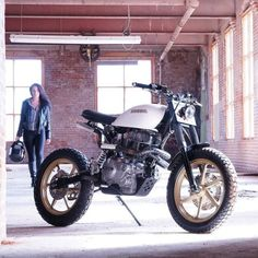 Motorcycle customizing is all about transformation: better looks, better functionality, or a combination of both. But we don't often see a transformation as radical as this. Canada-based @KickMoto have taken an innocuous Honda CM400, ditched the ungainly cruiser doo-dads, and turned it into a motocross-styled weapon built for urban streets and hardpack dirt. We'd take it for a blast — what about you? Get the exclusive story (and hi-res imagery) via the link in our bio. #honda #cm400 #