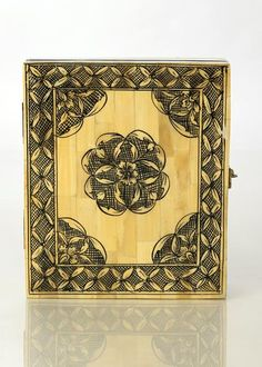 Designer wooden box with floral painting. The traditional look of this box makes it a collector's choice. Traditional Looks, Wooden Boxes, Vintage World Maps, Ethnic, Metal, Floral, Painting, Design, Wood Boxes