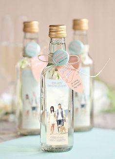 gastgeschenke, hochzeit,glasflasche, foto, baendchen, mit personallisiertem etikett