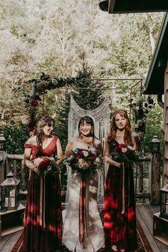 An abundance of rich reds are featured  in this boho mountain elopement   Image by Folk and Wayfarer  #fallwedding #wedding #weddinginspiration #elopement #elopementinspiration #boho #bohowedding #bohemianwedding #bohemian #bride #bridalinspiration #bridesmaid #bridesmaidstyle #bridesmaidinspiration #bouquet #weddingbouquet #bridalbouquet