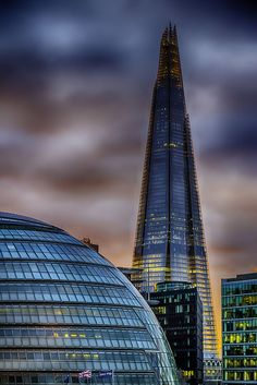 The Shard (aka London Bridge Tower), now the tallest building in the European Union, opened to the public Feb. England Uk, London England, Beautiful London, London Architecture, The Shard, Renzo Piano, Kingdom Of Great Britain, Amazing Buildings, Nice View