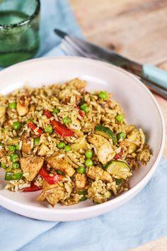 Zöldséges-csirkés egyserpenyős egytálétel recept | Street Kitchen Kung Pao Chicken, Fried Rice, Cooking Tips, Fries, Meals, Dinner, Ethnic Recipes, Kitchen, Food