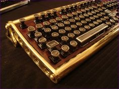 Everyone, I just got some amazing brand name purses,shoes,jewellery and a nice dress from here for CHEAP! If you buy, enter code:atPinterest to save http://www.superspringsales.com -   Steam Punk Keyboard