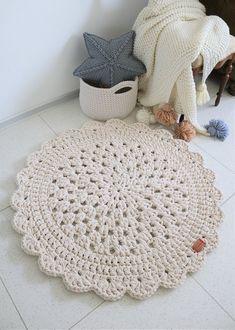 Chunky double cord round cream beige rug with petals hippie shabby teppich rund floor houseware - Tığ işleri-Special Works - - Diy Crochet Rug, Crochet Motifs, Crochet Home, Crochet Gifts, Crochet Doilies, Crochet Patterns, Silver Grey Carpet, Beige Carpet, Diy Carpet