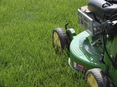 How to maintain a healthy lawn - landscape ontario.com Green for Life