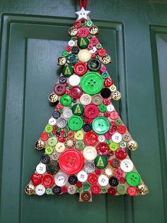 Bij Kerstmis hoort natuurlijk een kerstboom. Het liefst een hele grote naaldboom die je helemaal propvol kunt hangen met leuke kerstdecoraties. Maar wat als je eens wat anders wil? Dan zijn er voldoende alternatieven om toch je huis in kerstsfeer te brengen.
