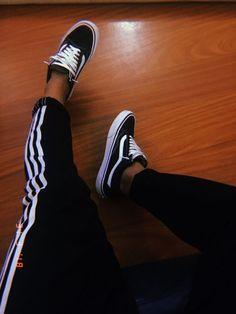 . Adidas Shoes Women, Vans Shoes, Tumblr Photography, Photography Poses, Girl Photo Poses, Girl Photos, Looks Adidas, Foto Casual, Fake Photo