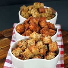 Healthy whole grain croutons. 3 crunchy flavors: garlic parmesan fiesta & pesto The Garlic-Parm was a big hit with my husband. I used stale sour dough bread instead of whole grain and it still worked out great! Good Food, Yummy Food, Tasty, Crouton Recipes, Salad Recipes, Healthy Recipes, Garlic Parmesan, Soup And Salad, The Best