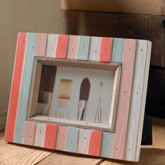 Mini Pallet Frame - Project | Plaid Online