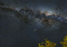 By: 不動明王 Milkyway Memory 24,Apr,2014 ‧ Alices Springs, Australia  Camera : Canon PowerShot G1X Telescope/Lens : 28mm (135 eqv) f/2.8 built-in zoom lens Filter : none ISO : 640 Tracking Mount : nano.tracker Autoguide : none Total Exposure Time : 1 min x 35 frames (JPEG stack), foreground 1min process w DSS,PI, PS5